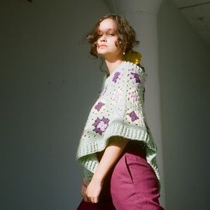 1970s floral knit poncho
